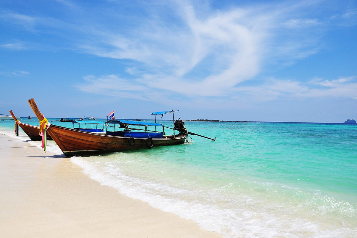 13 day Thailand tour with Phuket beach break and flights