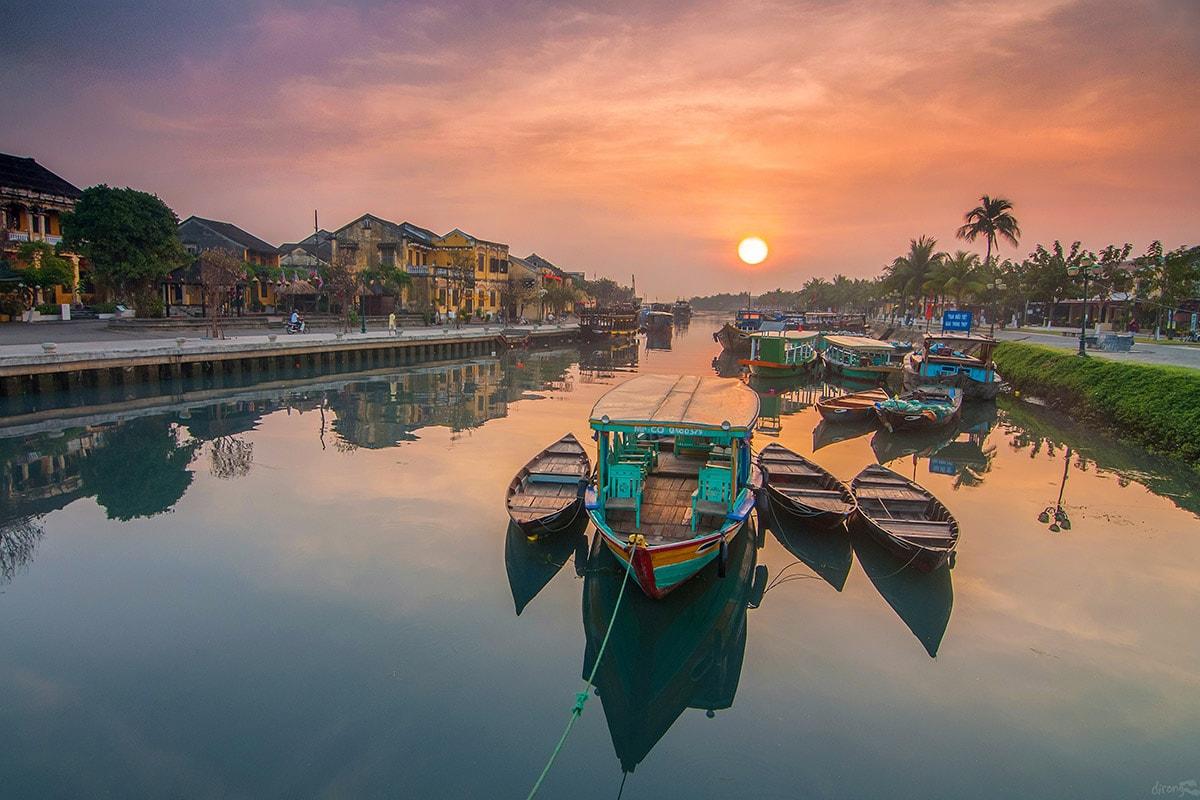 17 day Vietnam tour with flights