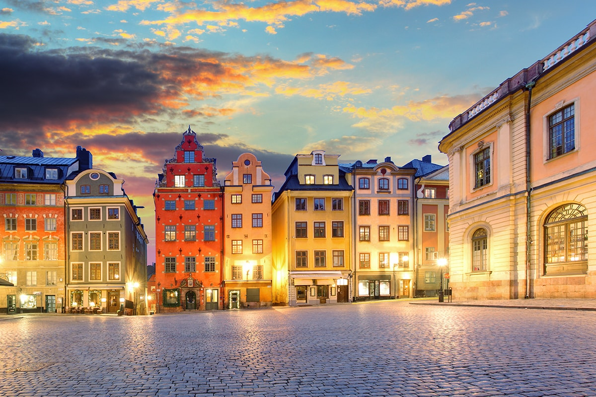 18 day Discover Scandinavia and Russia tour with flights