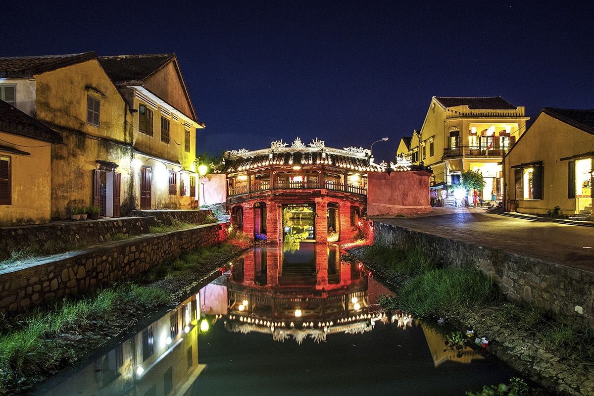 15 day Best of Vietnam tour with Nha Trang beach break and flights