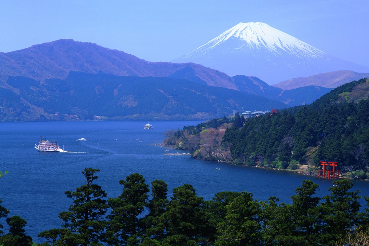 8 day Japan Golden Route tour with flights