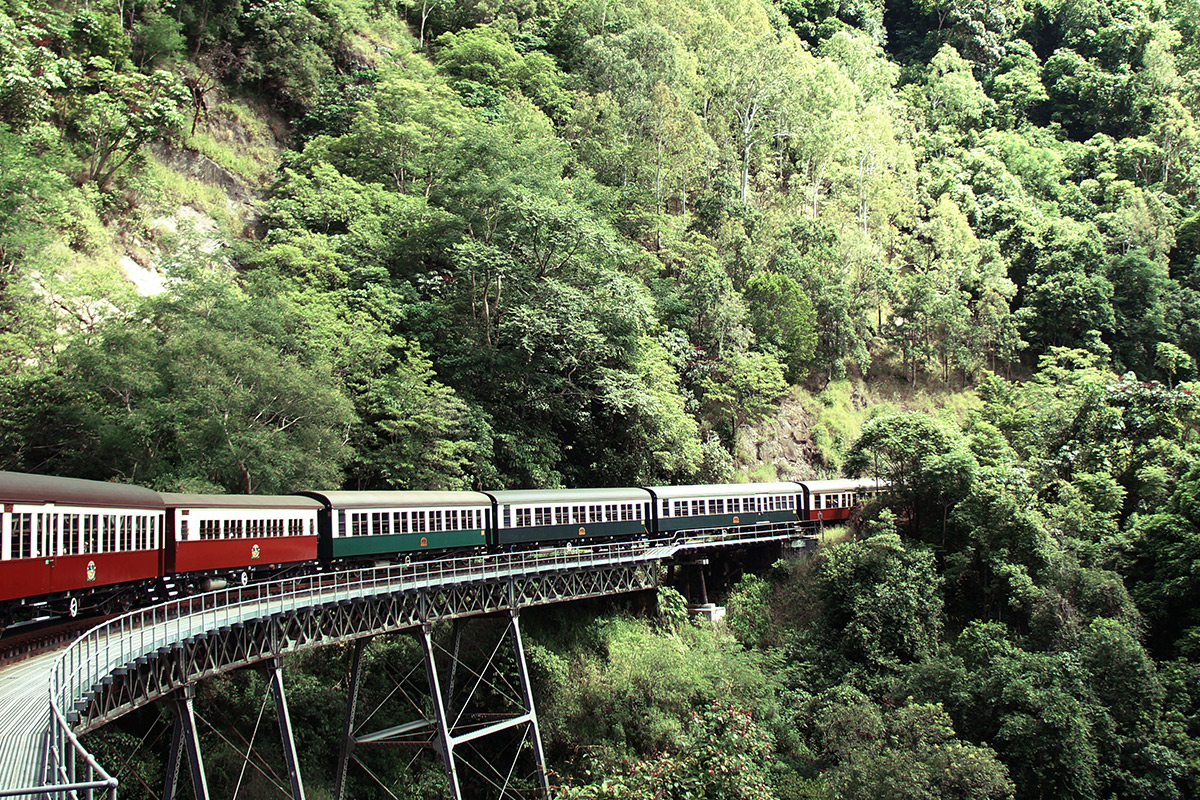 11 day Tropical Islands and Rainforest tour with Air New Zealand flights