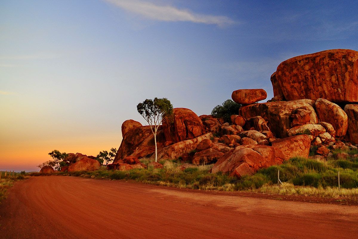 15 day Outback Adventure tour with Qantas flights