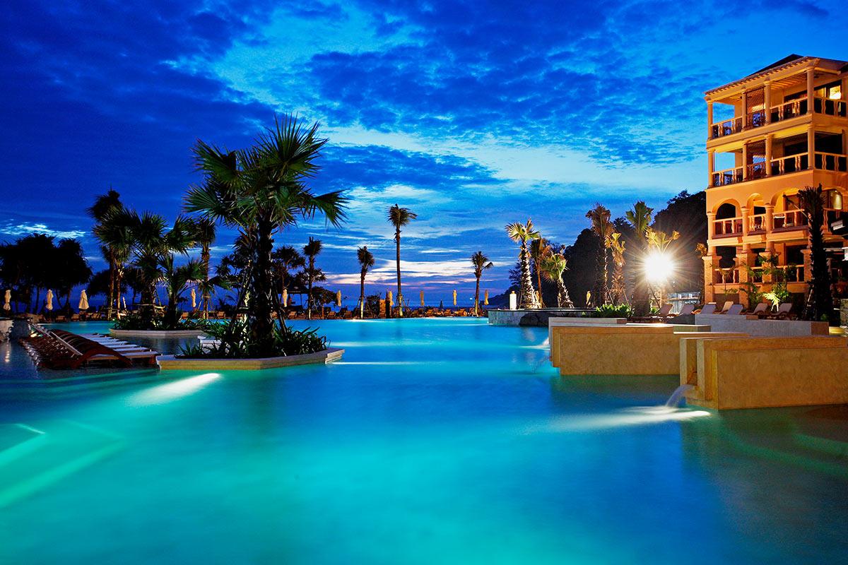 9 day Centara Bangkok and Phuket Resort package with flights