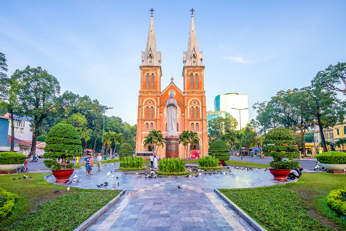 12 day Southern Vietnam and Cambodia tour with flights