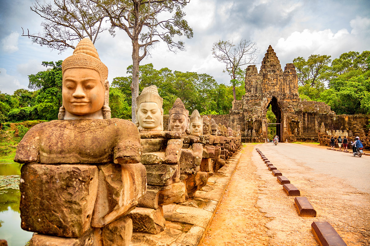 19 day Trails of Vietnam and Cambodia tour with flights