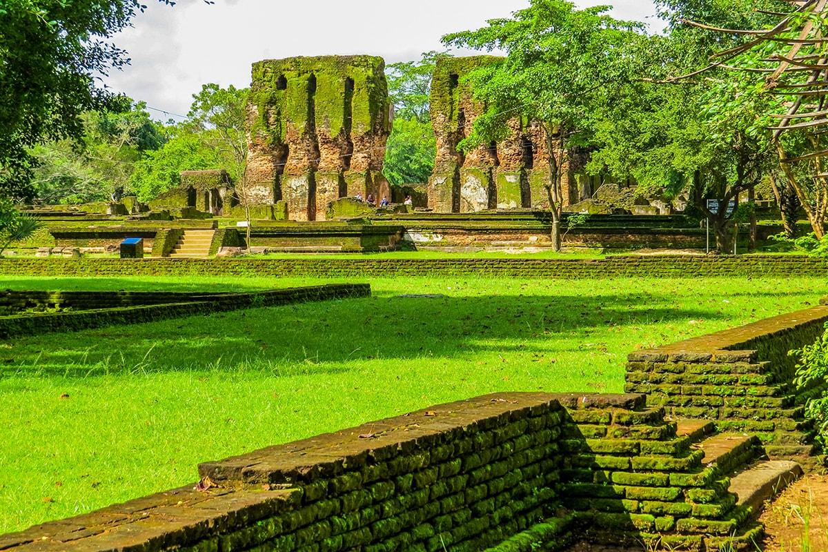 9 day Taste of Sri Lanka tour with flights