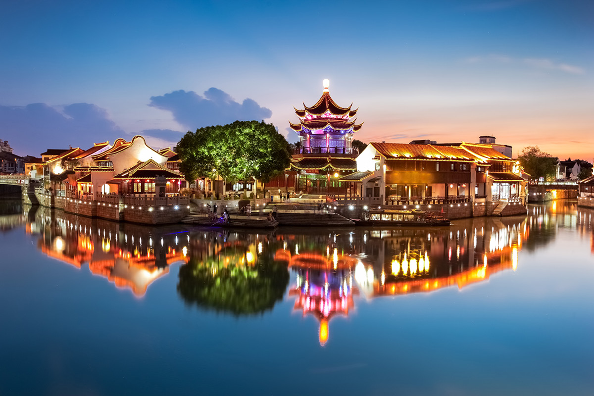 20 day Luxury China tour with Yangtze River cruise and flights
